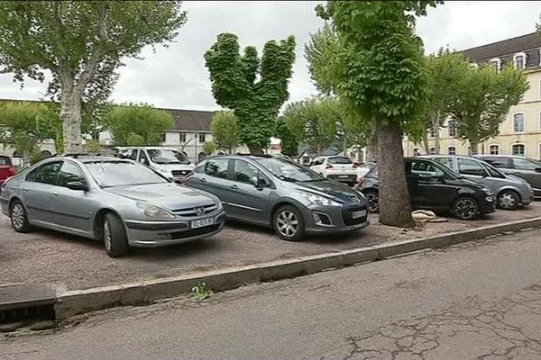 La femme a tenté de mettre fin à ses jours dans sa voiture devant le tribunal de Vesoul.