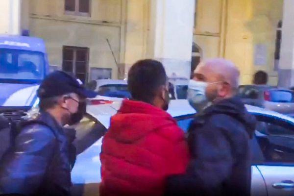 Endri Elezi est un Albanais de 28 ans. Il a été arrêté le 21 avril en Italie du sud.
