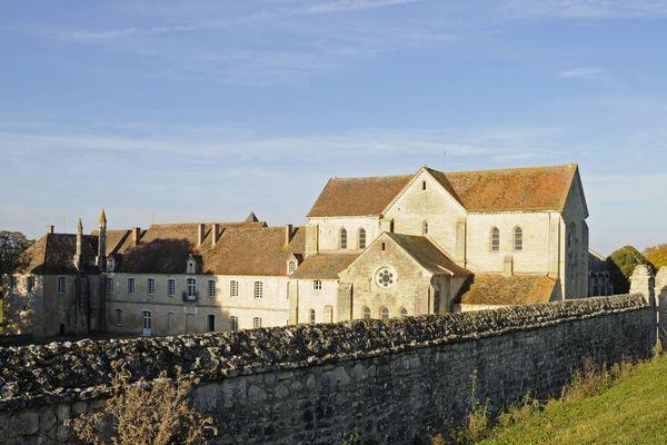 L'abbaye de Noirlac, à Bruère-Allichamps, non loin de Saint-Amand-de-Montrond, dans le Cher.