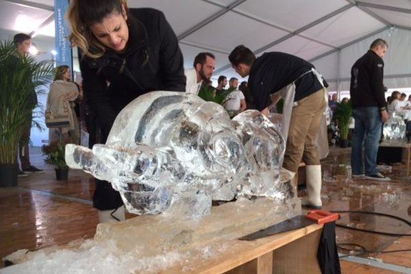 Atelier de sculpture sur glace au carrefour des métiers de Niort
