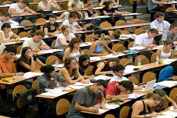 Montpellier - amphy de la faculté de sciences économiques UM1 - archives