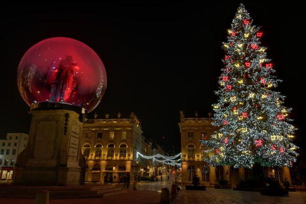La place Stanislas illuminée mais sans public pour les festivités de la Saint-Nicolas 2020.