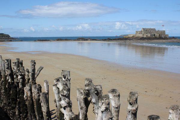 Le Fort National vue de la grande plage du Sillon - Saint-Malo (Ille-et-Vilaine)