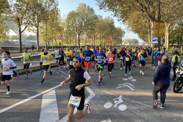 Le départ des 20 kms de Paris