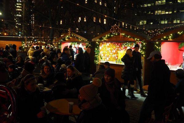 30 chalets on été installés en décembre 2019 pour le marché de Noël alsacien à New York