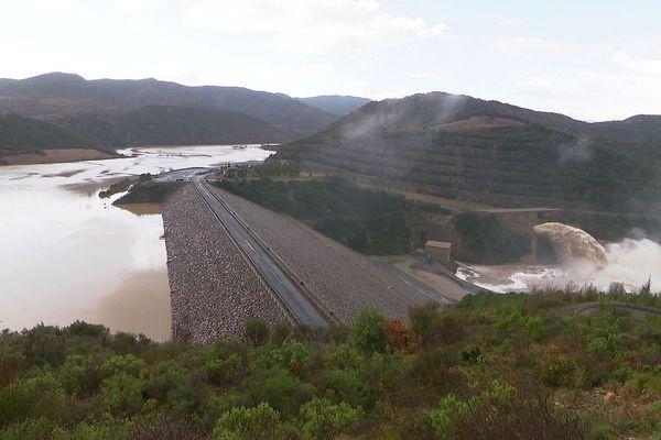 Cassagnes (Pyrénées-Orientales) : le lac et le barrage de Caramany après la tempête Gloria - janvier 2020.