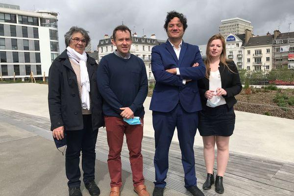 Les 4 têtes de liste Debout la Bretagne