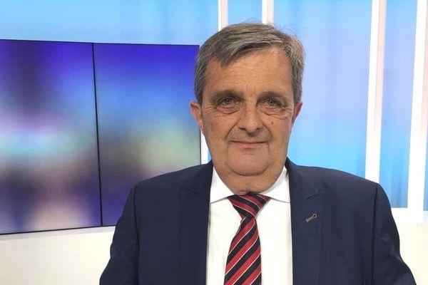 Gilles Lurton sur le plateau de France 3 Bretagne