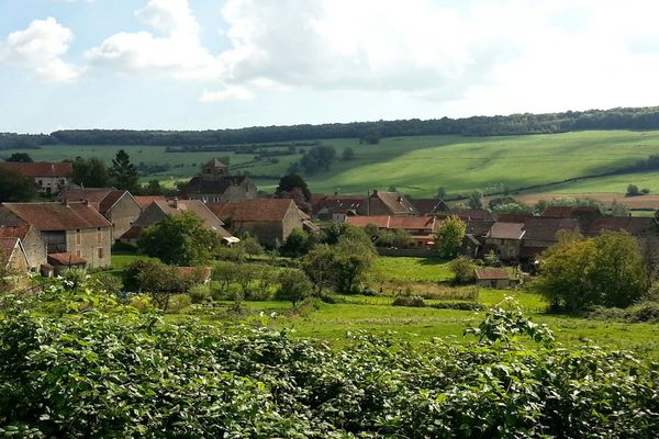 Echannay : un village de fond de vallée en Bourgogne