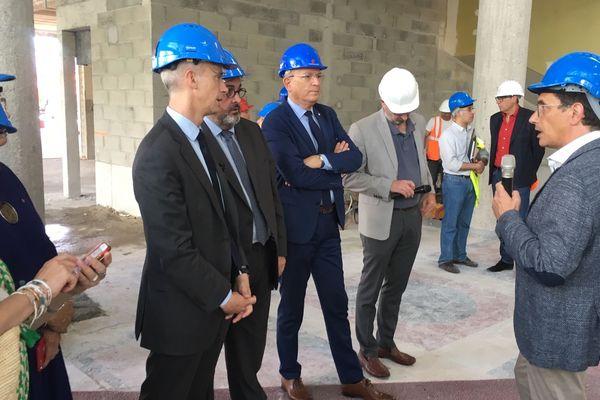 Le ministre de la culture, Franck Riester en visite à Clermont-Ferrand, lundi 8 juillet, lors de la visite du chantier de la Comédie scène nationale.