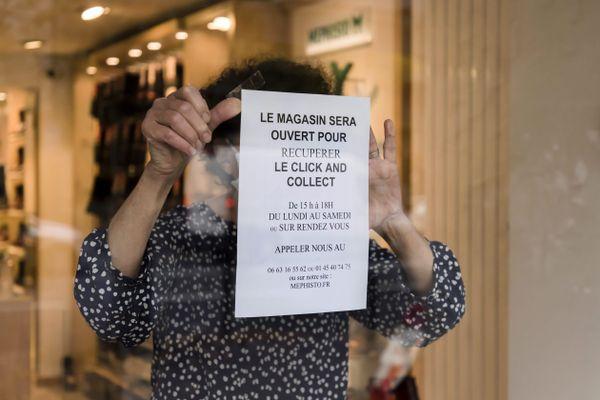 Les petits commerçants s'organisent pour vendre pendant le second confinement-image d'illustration.