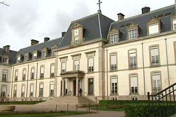 L'hôpital du Creusot en placé en liquidation judiciaire le 13 octobre 2015.