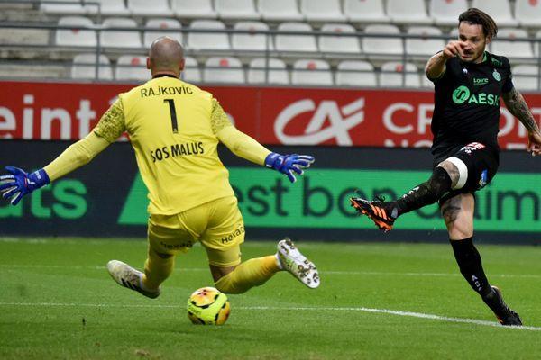 19e journée de Ligue 1 : Mathieu Debuchy et les Verts, victimes de l'arbitrage ? L'ASSE s'est inclinée 3 buts à 1 à Reims le 9 janvier 2021.