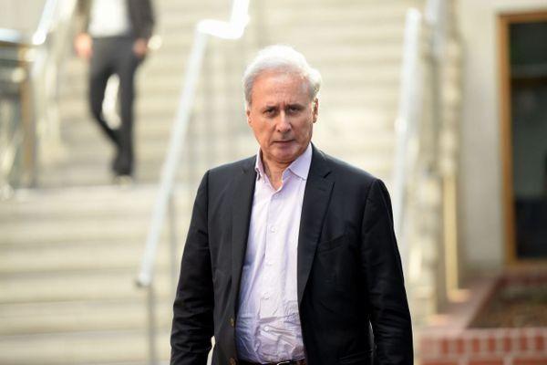Georges Tron, le 14 novembre 2018, lors du procès aux assises de Seine-Saint-Denis de l'ancien secrétaire d'Etat pour viols en réunion et agressions sexuelles, le jour précédent son acquittement.