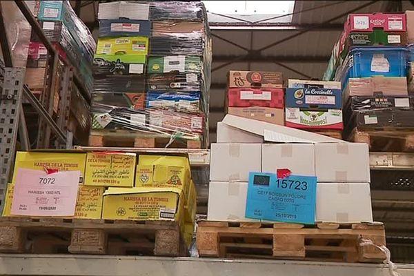 Les marchandises circulent entre les magasins, les entrepôts et les centres de distribution. Les Restos du coeur ont besoin de mais mais aussi de volontaires qualifiés.