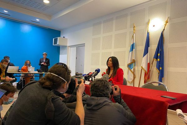 Samia Ghali en conférence de presse ce jeudi 17 décembre.