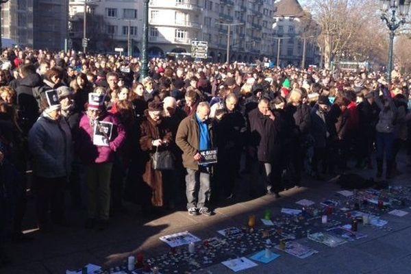 Minute de silence après les attentats de janvier 2015