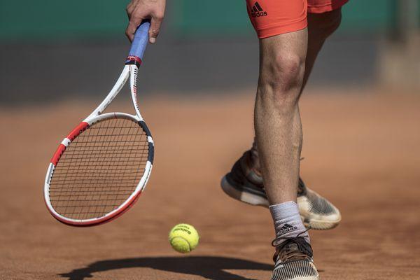 Devra-t-on jouer au tennis avec des gants ?