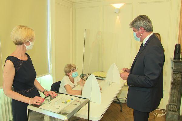 Gilles Platret a voté à Chalon-sur-Saône en Bourgogne.