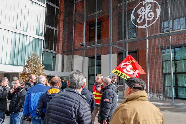 Blocage du site de General Electric de Belfort par l'intersyndicale. (Belfort 10 octobre 2019).