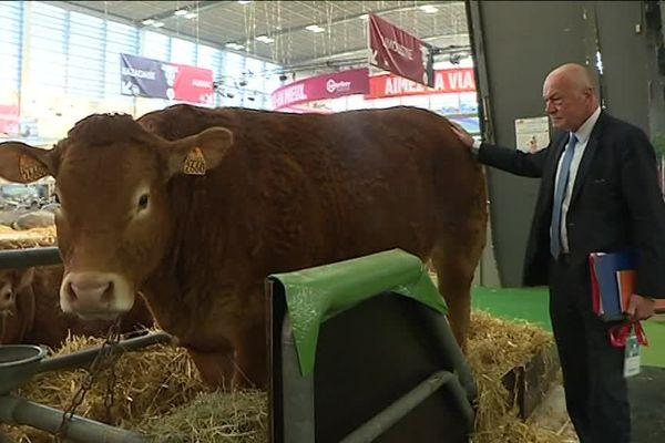 Alain Rousset, président de la Nouvelle-Aquitaine en visite au Salon International de l'Agriculture le 27 février 2019