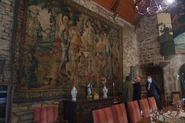 La célèbre tapisserie d'Aubusson mise en vente fait 4m50 long et trois mètres de haut.
