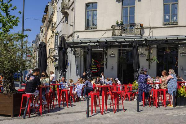 Une terrasse à Bruxelles le 1er juin 2021.