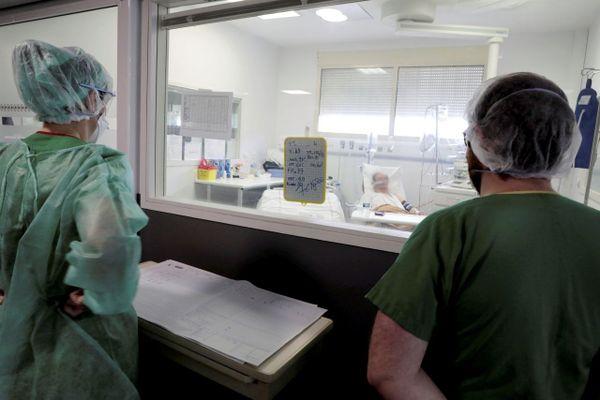 Service réanimation du centre hospitalier d'Avignon pendant la 1re vague de Covid-19 en avril 2020.
