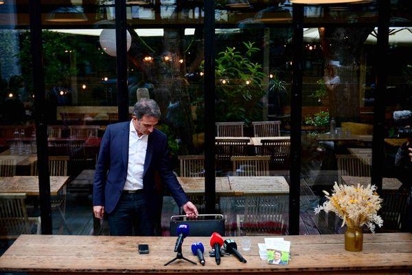 Photo d'illustration. Eric Piolle, avant une conférence de presse à Paris, le 30 juin 2021, un jour après l'annonce de sa candidature à la primaire écologiste.