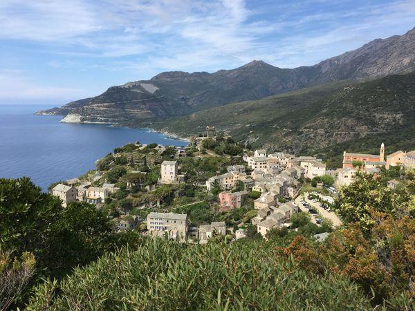 Le village de Nonza, dans le Cap Corse, dont Pierre Chaubon était devenu le maire à l'âge de 27 ans