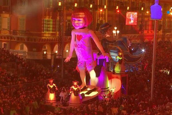 Au coeur du corso carnavalesque illuminé