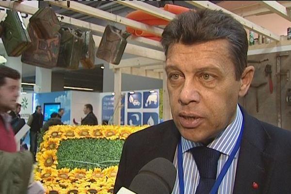 Xavier Beulin président de la FNSEA, interviewé au Salon de l'Agriculture 2015.