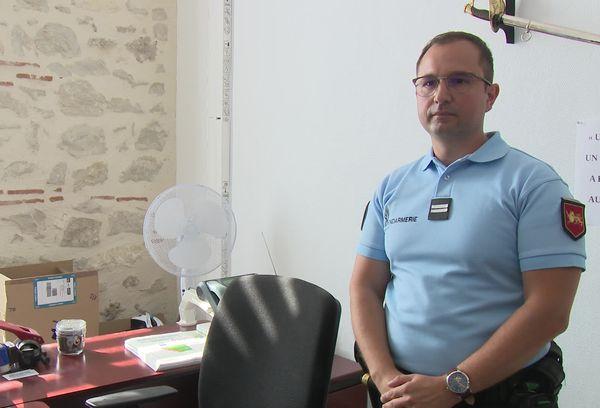 Le lieutenant Fabien Joussemet dirige la brigade de gendarmerie de Tonneins en Lot-et-Garonne. Il a fait de la lutte contre les violences intra-familiales, une priorité.