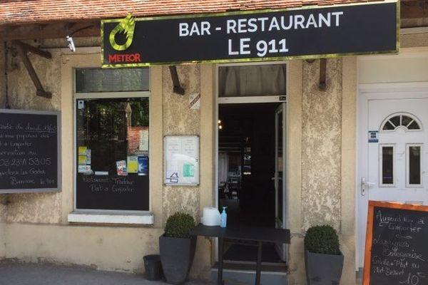 Grâce à la mobilisation des élus municipaux, le couple qui tient ce restaurant a reçu plusieurs centaines d'euros.