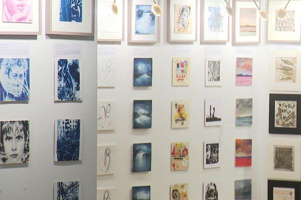 La 3e édition du 111 des Arts permet aux visiteurs de s'acheter une oeuvre à 111 euros, au profit de la recherche contre le cancer pédiatrique.