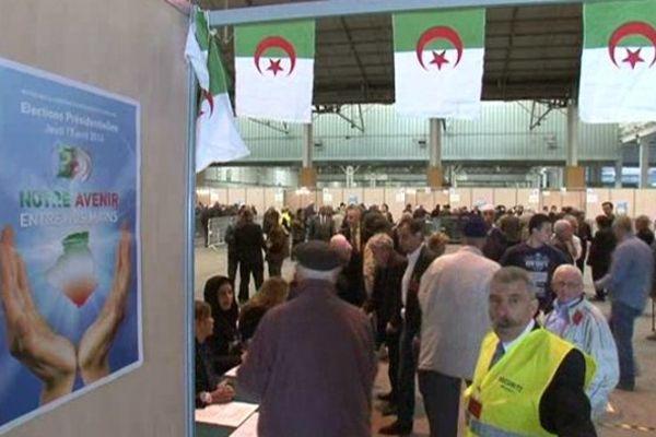 Les Algériens de Marseille et des villes environnantes ont commencé à voter au parc Chanot à Marseille