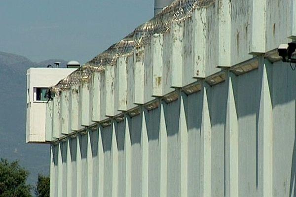 Situé à 19 km au sud de Bastia, le centre pénitentiaire de Borgo (Haute-Corse), comprend deux quartiers à régimes de détention différents: maison d'arrêt et centre de détention