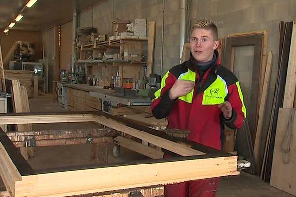 Romain Claudet veut créer des emplois dans la menuiserie familiale de Frasne (Doubs)
