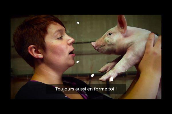la vidéo de Sophie dans son élevage.