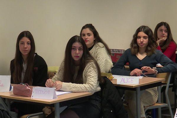 La rectrice de l'Académie de Montpellier, Béatrice Gille est venue expliquer aux élèves de première de Bédarieux la nouvelle réforme du baccalauréat 2021 - 8 janvier 2020