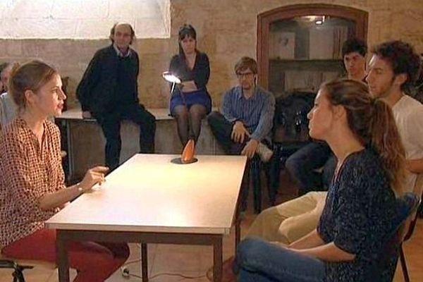 Montpellier - les étudiants en 4e année de médecine en session théâtre pour mieux aborder la maladie des patients - octobre 2013.