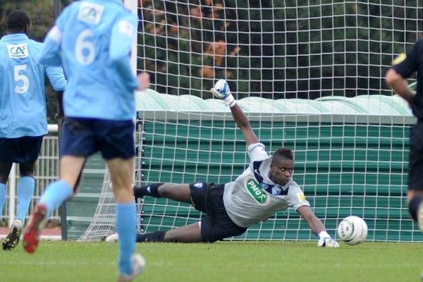 Brice Samba le 18 novembre dernier dans un match de Coupe de France face à Brétigny.