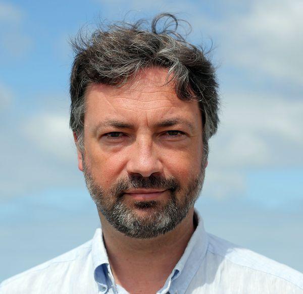 Le député socialiste des Français de l'extérieur, basé sur le Bassin d'Arcachon est un soutien actif d'Emmanuel Macron