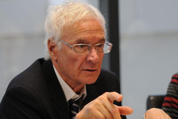 Le maire de Martigues Gaby Charroux cumule 3 mandats et 5 casquettes de président.