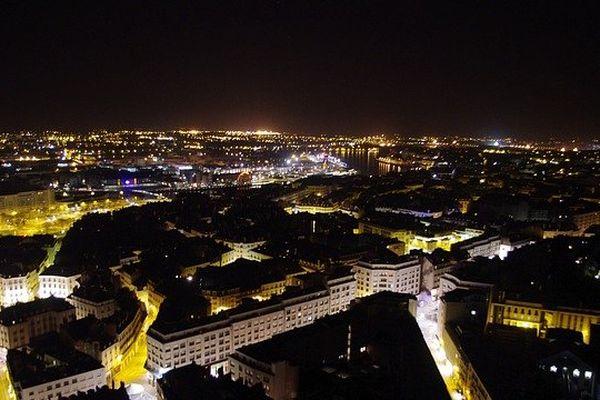 Nantes en haut.