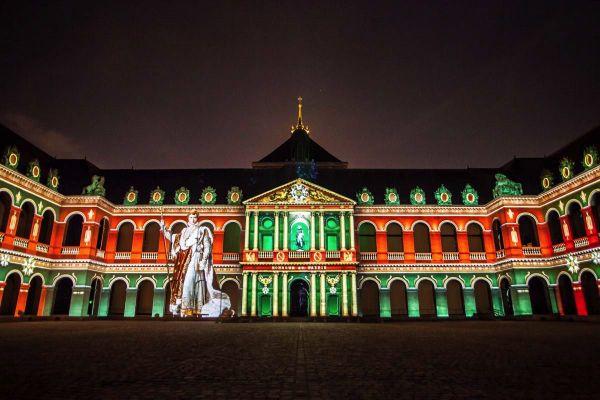 Cette 8e édition propose de découvrir 3.000 ans d'Histoire de Paris. Parmi ses figures emblématiques : Napoléon.