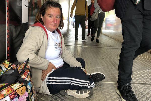 Battista, 40 ans, est italienne. Attirée par le festival de Cannes, elle espère tirer quelques bénéfices de l'affluence.