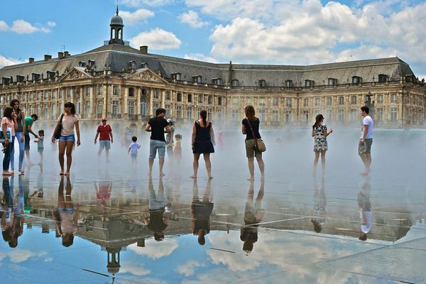 Le miroir d'eau, Place de la Bourse à Bordeaux