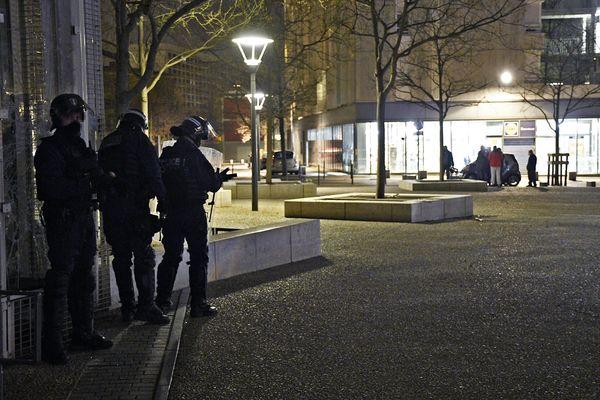 Intervention de police quartier de la Duchère à Lyon (Rhône) le 6 mars 2021