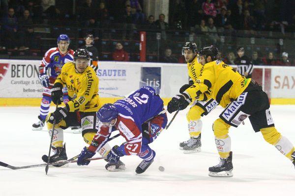 Lors des 8e de finale de la Coupe de France, les Scorpions de Mulhouse se sont inclinés face aux Dragons de Rouen.